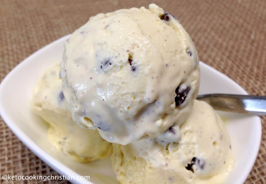 Vanilla Chocolate Chip Ice Cream – Keto and Low Carb