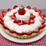 Strawberry Cream Tart - Keto, Low Carb & Gluten Free Smooth and creamy strawberry goodness fill this incredible tart! It's the perfect summer dessert to serve at your next special occasion or bring to your next party. #ketorecipes #keto #lowcarb #ketodiet #ketogenicdiet #lowcarbdiet #ketogenic #lowcarbhighfat #lowcarbrecipes #lchf #glutenfree #ketoweightloss #ketocookingchristian