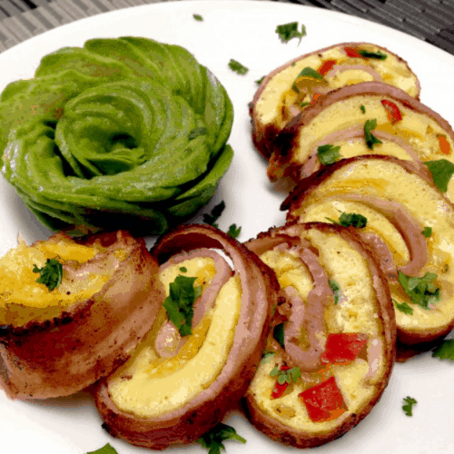 Bacon, Egg and Pepper Pinwheels with Goat Cheese - Keto and Low Carb
