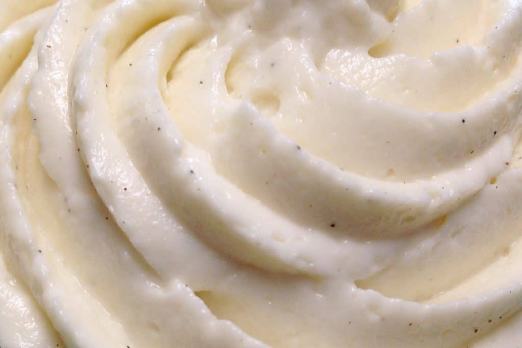 Easy Vanilla Cream Cheese Frosting - Keto and Low Carb