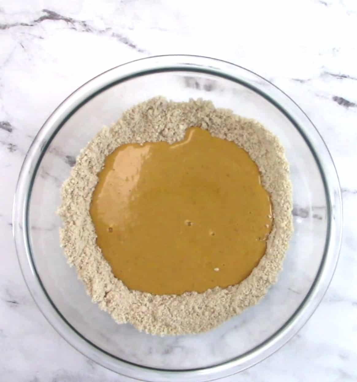 pumpkin cupcakes wet/dry ingredients in bowl