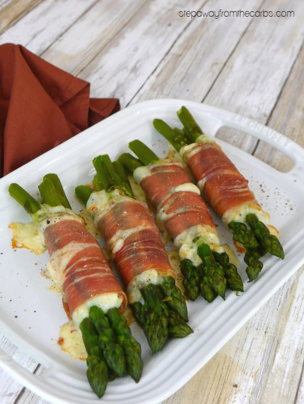 Low Carb Asparagus Bundles with Prosciutto and Cheese
