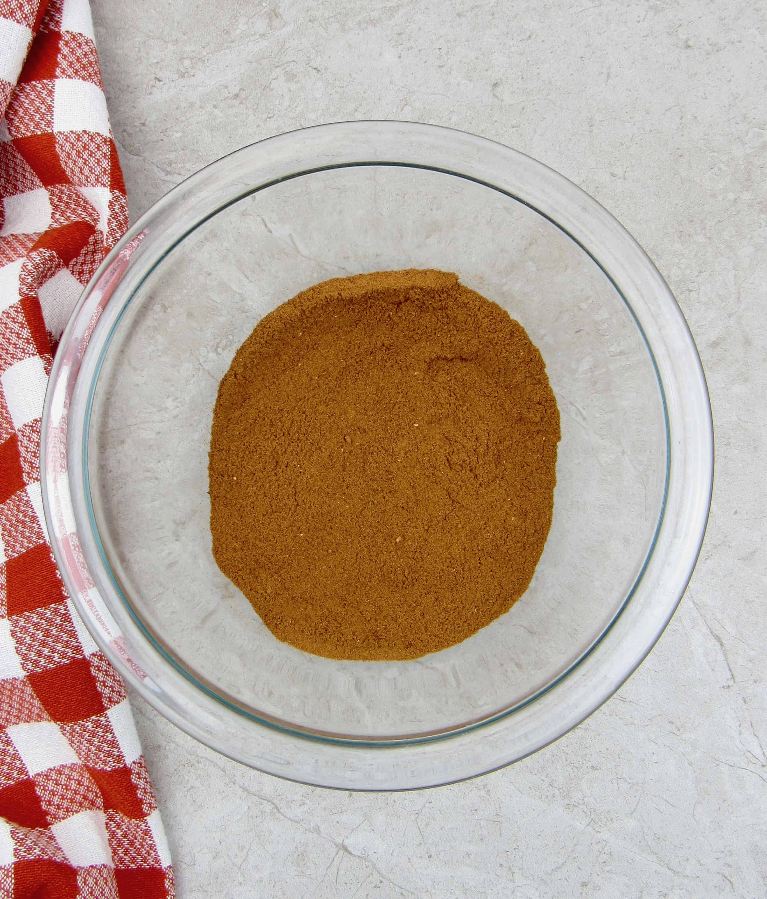 apple pie spice mixture in glass bowl mixed