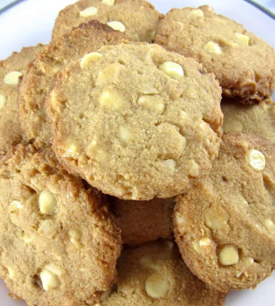 white chocolate macadamia cookies piled up