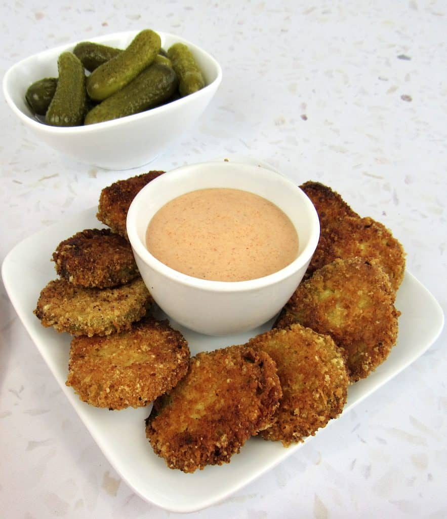 fried pickles with dipping sauce