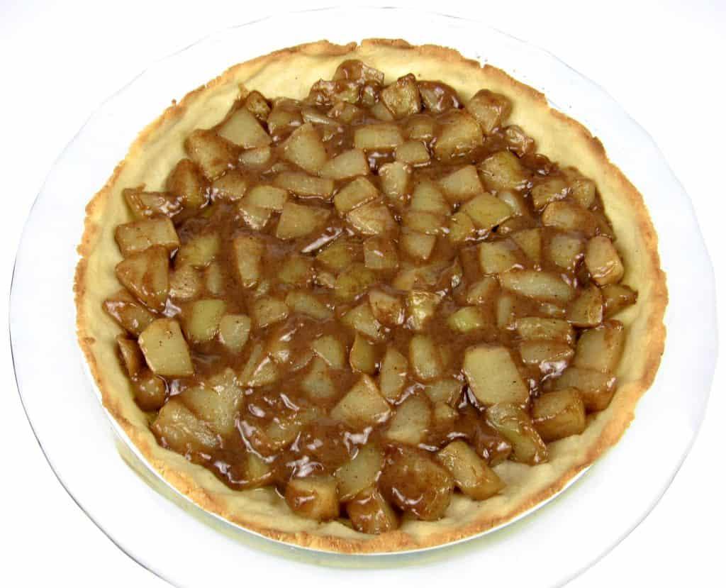 apple pie in pie dish unbaked
