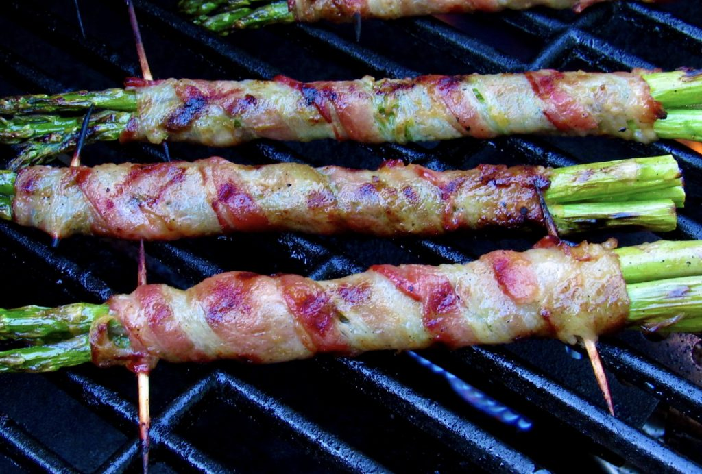 bacon wrapped asparagus on grill