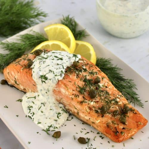 Baked Salmon with Creamy Dill Sauce on the side
